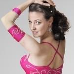 Bauchtänzerin Hanan Kadur in pinkem Kostüm